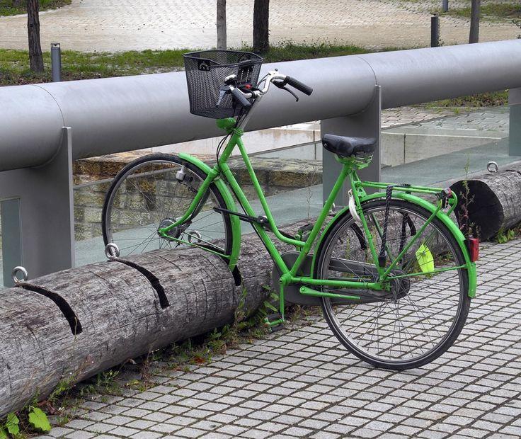 Best 25 trunk bike rack ideas on pinterest trunk mount for Cool bike storage ideas