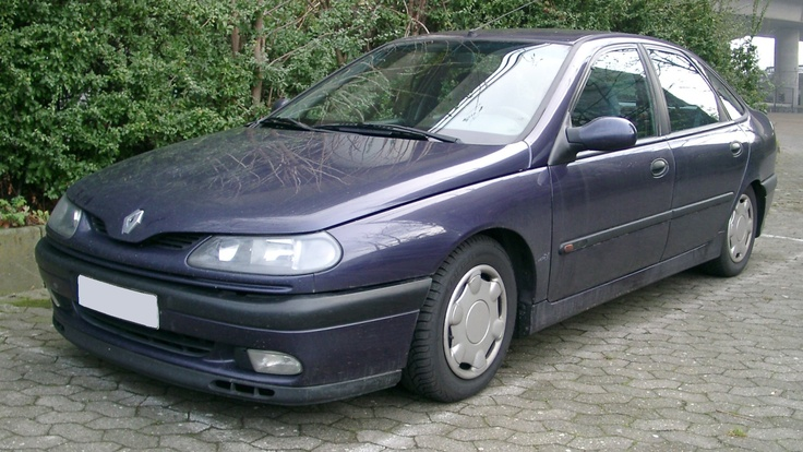 The Nissan was swapped for car 22 another Renault this time a Laguna Diesel