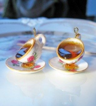 how to: spilling tea....tutorial is for the cups and saucers...involved.....cute....lots of stuff to see on this site.
