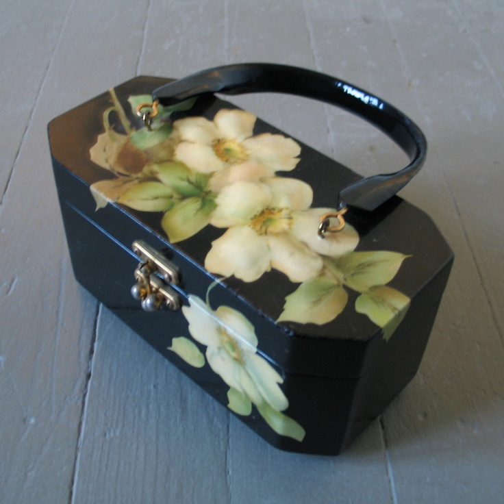 Seriously love this purse!  Vintage 1970s Decoupage Wild Roses on Black Enamel Box Purse Signed Gunter. $55.00, via Etsy.