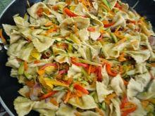 Una ricetta leggera: Pasta integrale fatta in casa con verdurine spadellate al profumo di timo, e per i più fortunati al tartufo nero | Lovinitaly