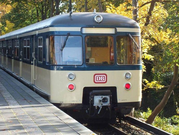 Historische Bahn 470 128