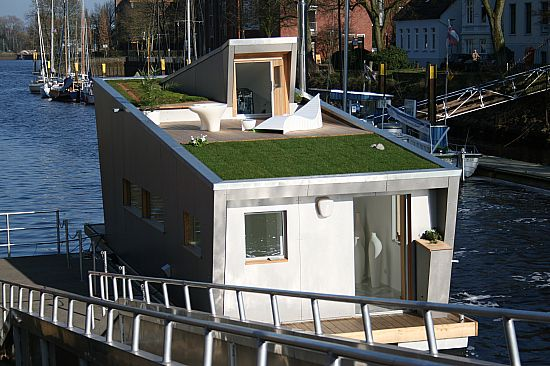 House Boat On Deck of Modern House Boat with A Brilliant Rooftop Garden Read great articles on the latest 2013 #dream #home trends here http://articles.builderscrack.co.nz or hire a professional today from #Builderscrack http://builderscrack.co.nz/post-job-desc