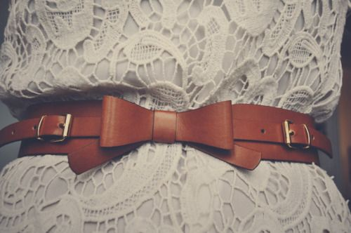 bow belt. LOVE Over a long tunic with skinny jeans and tall boots of the same shade of leather.