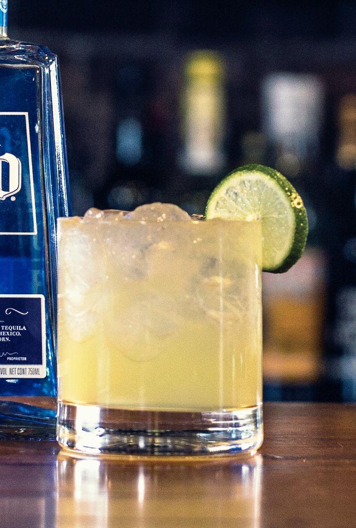 Agave Margartia Ingredients: 1 1/2 oz. 1800 Silver Tequila 1 oz agave syrup (nectar) 1/2 oz fresh lime juice Kosher salt