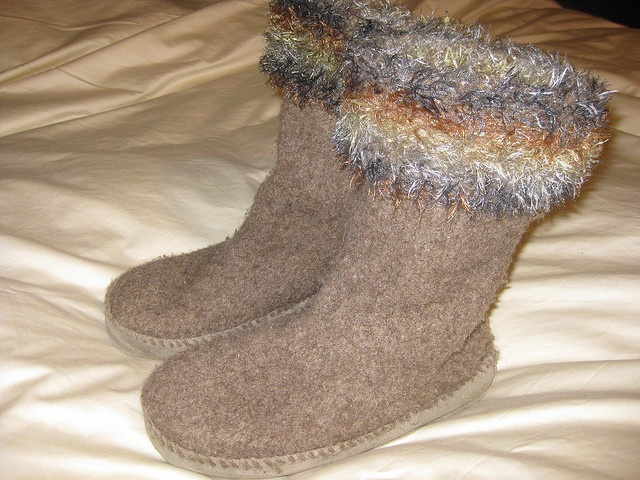 Free Babies Knitting Patterns : 1000+ images about Slippers on Pinterest Ravelry, Wool and Patterns