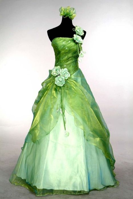Princess tiana inspired prom dress o green weddings for Nature inspired wedding dresses