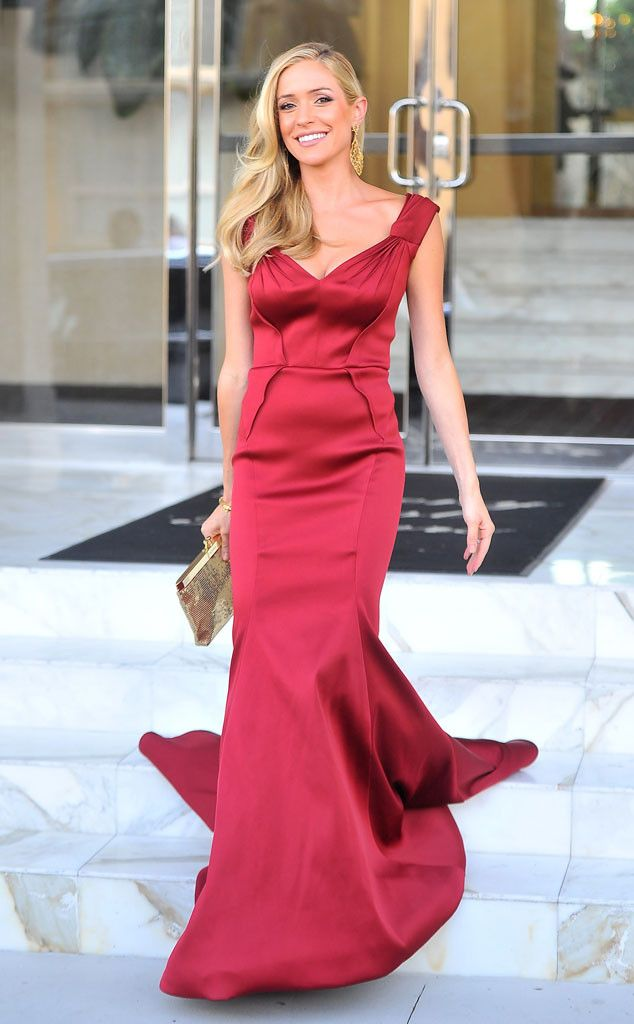 Scarlet Fever from Kristin Cavallari's Mommy Style For her first red carpet appearance since giving birth to Jaxon, the star sizzled in a Zac Posen dress with gold Glomesh clutch.