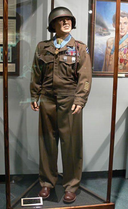 Men in uniform dating website