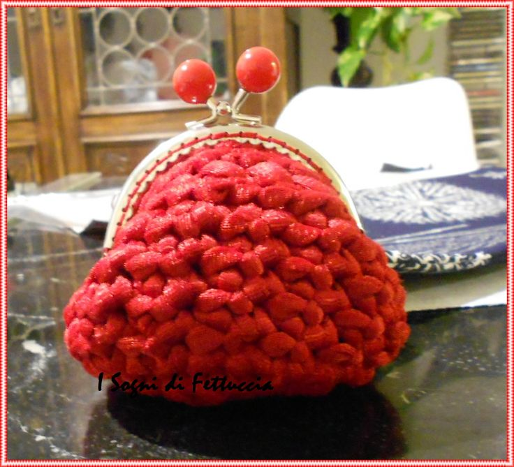 borsellino rosso rubino, mis circa 10 cm di diametro