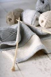 Voilà une question que l'on me pose souvent. Comment faire pour trouver des idées de tricot? Où peut-on trouver des explications et des modèles gratuits? Dans cet article, je voulais vous don…