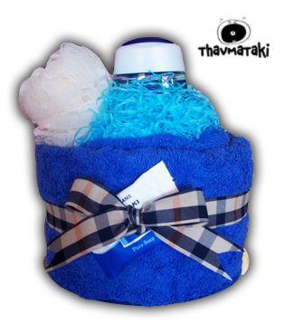 Περιέχει μία μεγάλη πετσέτα μπάνιου, ένα αφρόλουτρο, ένα σφουγγάρι για το μπάνιο καθώς και ένα σαπουνάκι. Πολύ πρωτότυπο και ξεχωριστό δώρο για άνδρες όλων των ηλικιών!  Τιμή 20€