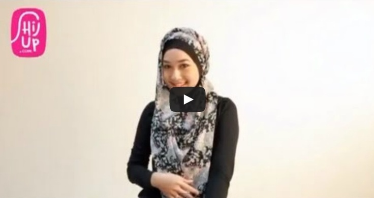 HIJAB TUTORIAL STYLE 23     Check the designers collections at HijUp.com  Get Up with your Hijab and Be Fabulous with HijUp! ♡     Song: Fabulous with HijUp - D.B.E  ___________________________________  Visit our youtube channel and find a lot of hijab inspiration there!  Happy Watching, Dear :)