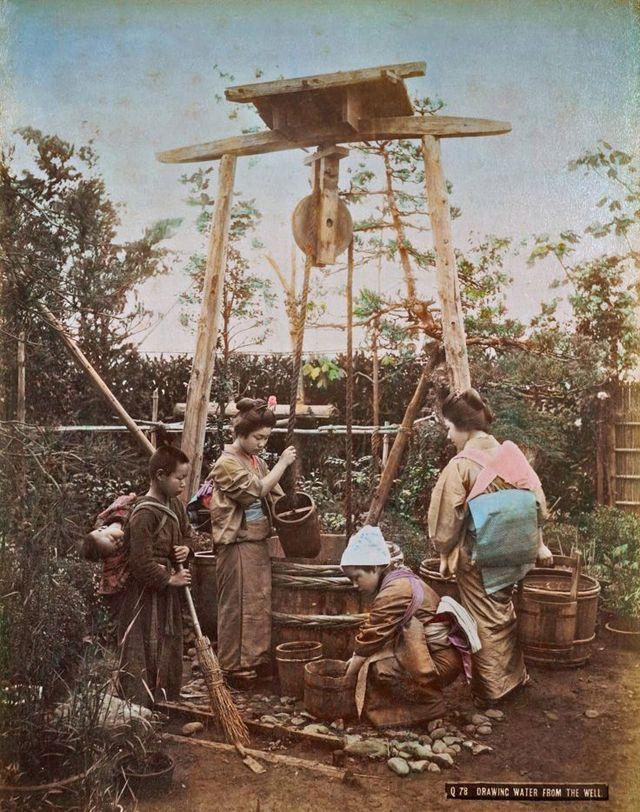 Late-1800s-11-井戸端.jpg