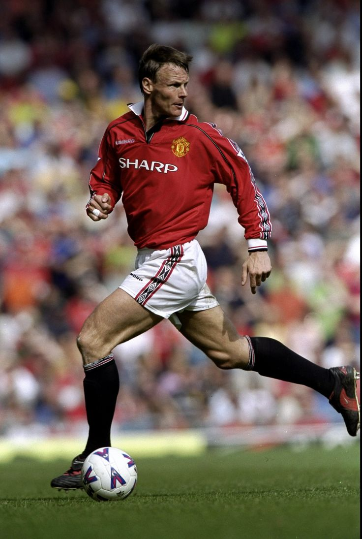 Teddy Sheringham, Manchester United Player of the Year 2000/01 #MANCHESTER UNITED SPORT NEWS https://manunitedsport.blogspot.com/