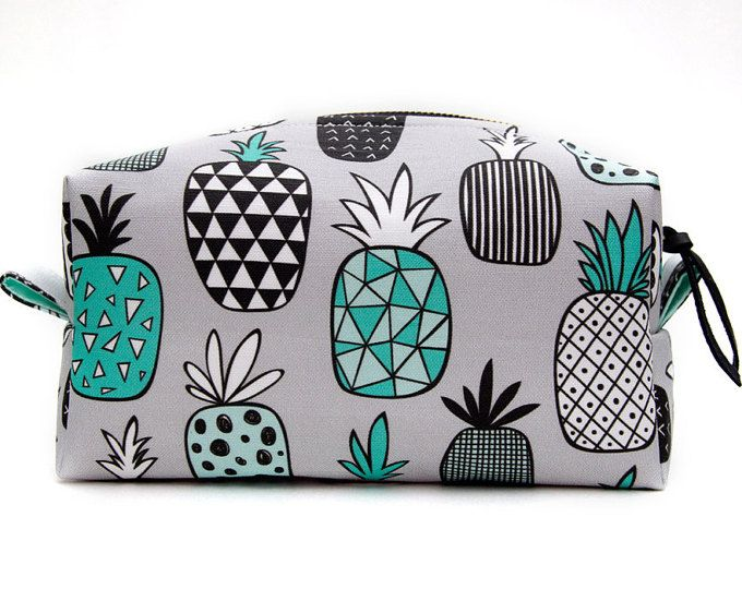 Pineapple Bag Gift, Large Pineapple Makeup Bag Gift, Pineapple Travel Bag, Pineapple Gift Idea, Pineapple Case, Pineapple Make Up Bag Gift