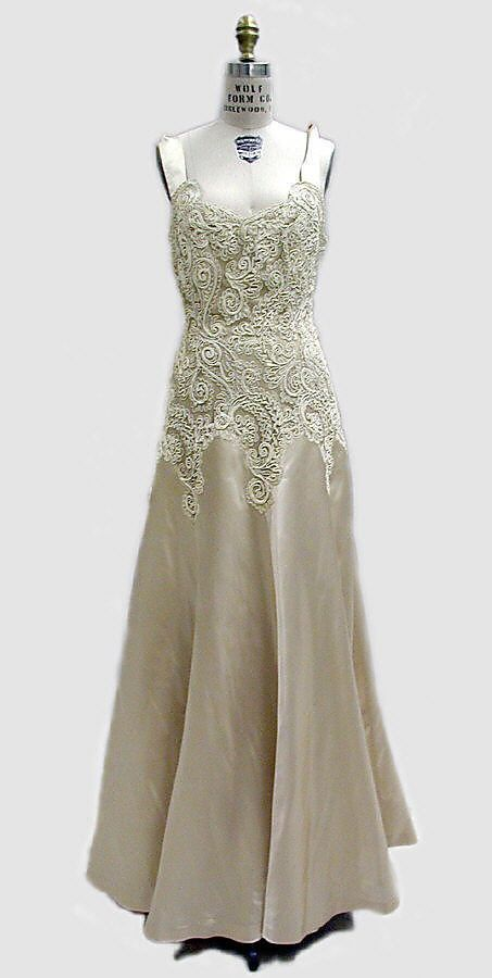 138 best images about vintage chanel on pinterest ux ui for Coco chanel wedding dress