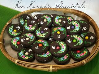 Resep cara membuat kue karawo http://resepjuna.blogspot.com/2016/05/resep-kue-karawo-kerawang-khas.html masakan indonesia