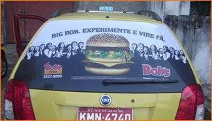 A rede de fast-food, Bob´s uma das patrocinadoras ofíciais do Jogos Panamericanos, está divulgando em 200 táxis do Rio de Janeiro o seu sanduiche BibBob.     Além dos táxis a campanha conta com TV e materiais em pontos de venda. #bobs