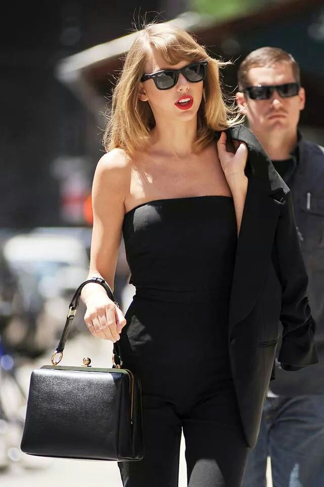 Taylor Swift | all black.