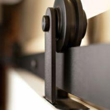 Vanaf €120. €170 incl softclose.  Wij adviseren een deurbreedte van ca. 5 cm breder dan de opening te nemen. De rail van het schuifdeursysteem is desgewenst op lengte te maken (standaard raillengte is 200 cm). Vuistregel voor de raillengte is 2 x de deurbreedte + 10 cm.
