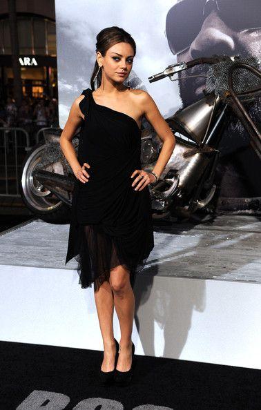 "Mila Kunis - Premiere Of Warner Bros. ""The Book Of Eli"" - Arrivals"