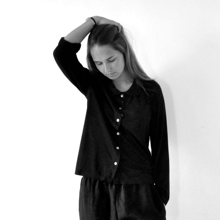 189 best le vestiaire de jeanne images on pinterest blouse blouses and grey. Black Bedroom Furniture Sets. Home Design Ideas