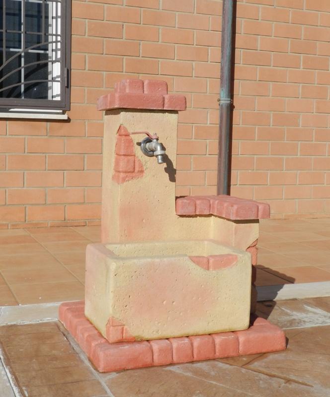 Fontana da giardino fonte del casale pietre del borgo - Fontane da giardino roma ...