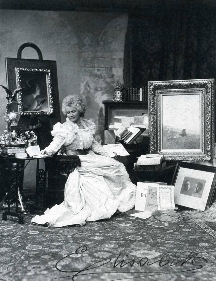 Pauline Elisabeth Ottilie Luise zu Wied (29 December 1843 – 2 March 1916) era a Queen consort of Romania ae esposa do King Carol I of Romania, Seu nome literário era Carmen Sylva. Fotografia contem a sua assinatura 'Elisabeth'.