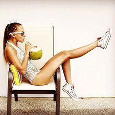 Что Вы знаете о кокосовой воде?  Кокосовая вода становится популярным напитком среди сторонников здорового образа жизни.