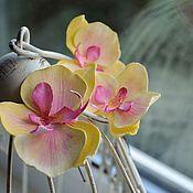 Свадебный салон ручной работы. Ярмарка Мастеров - ручная работа Орхидея фаленопсис в виде шпильки для волос.. Handmade.