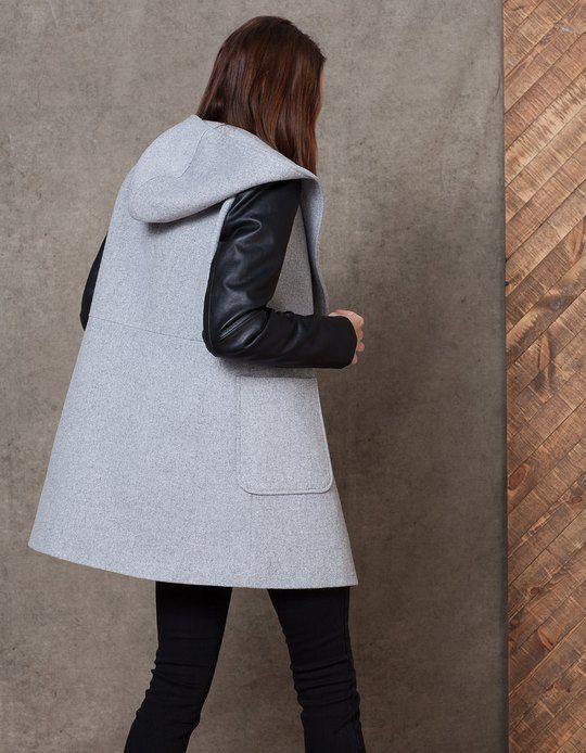 Abrigo lana mangas efecto piel - ROPA - MUJER | Stradivarius Colombia