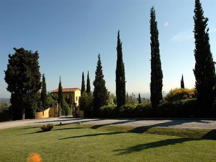 Farmhouse Brunelle is situated on the gently sloping hills of the Tuscan country side and just a stone's throw from the charming medieval township of Montaione. http://www.ciaoitalyvillas.com/tuscany-vacation-rentals/florence/montaione-villas/10261