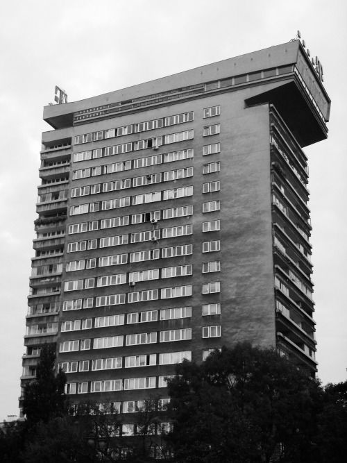 """PUMA"" Apartment building,  Powiśle, Warsaw, Poland built between 1964-76 Architects: Jan Bogusławski, Bohdan Gniewiewski"