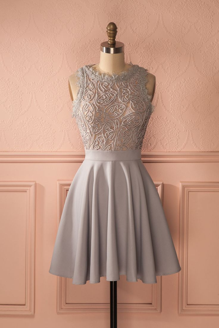 Delcine ♥ JUST IN from Boutique 1861 ...Une fois qu'elle eut atteint l'autel, elle fit un sourire radieux à la salle !/ beautiful short grey dress from Boudoir 1861 bridal store/1861.ca/ bridesmaid dresses