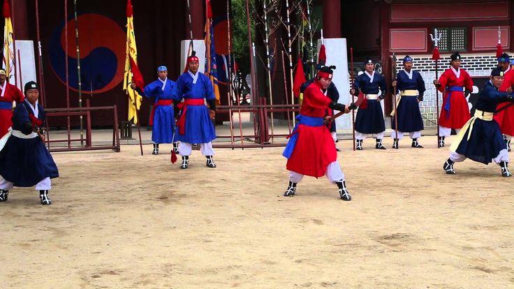 24 Martial Arts at Suwon Hwaseong Haenggung 수원화성 행궁 무예24기 공연