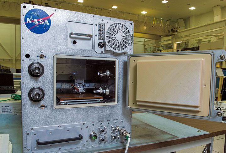 宇宙船でもエコな3Dプリンターでリサイクル