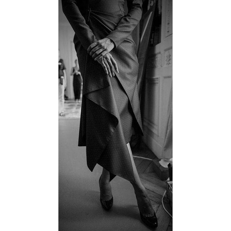 Fashion Show collection Hitchcock Bernard Depoorter sous l'objectifs de Gérard Uferas @gerarduferas @bernarddepoorter @bernarddepoorterofficial #luxe #hautecouture #paris #fashion #fashionshow #hitchcock