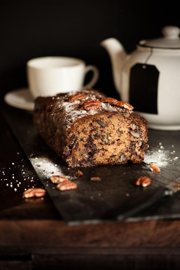 Banana, pecan and dark chocolate cake, easy but so delicious! www.mushandco.co.uk
