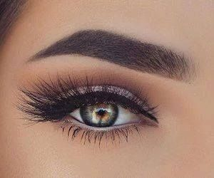 Just Pinned to Eyes: makeup http://ift.tt/2pZn8Ef