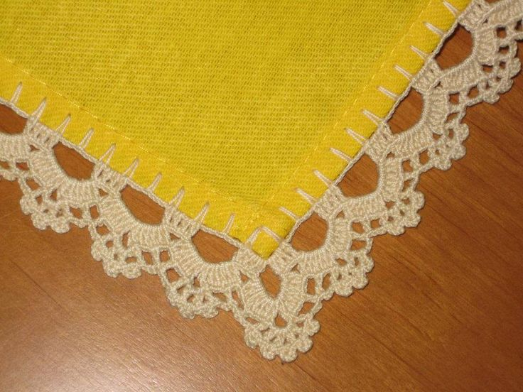 Pretty! ~~ Crochet lace edging. Photo only but it is quite plain to see how it is done!
