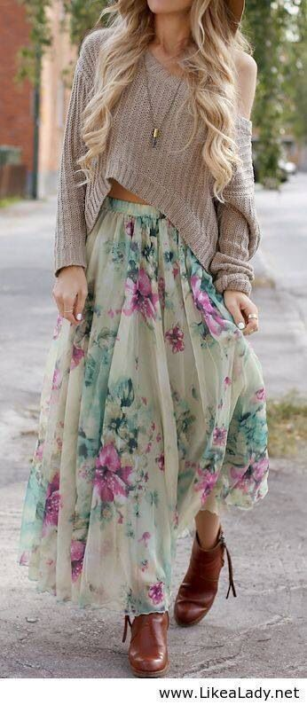 Summers, colors, casual street look