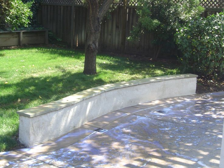 Best 25 retaining wall contractors ideas on pinterest for Stucco garden wall designs