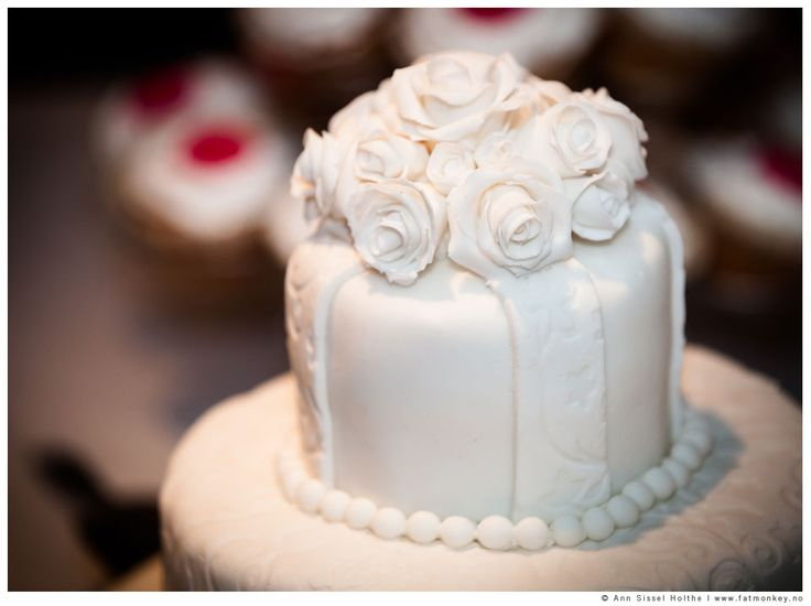 Wedding cake. www.fatmonkey.no