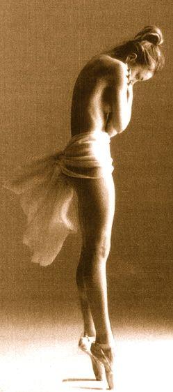 balanceDance Photography, Point, Ballet Dancers, Ballerinas Dancers, Izabellamiko, Art, Izabella Miko, Dancers Ballerinas, Beautiful Dancers