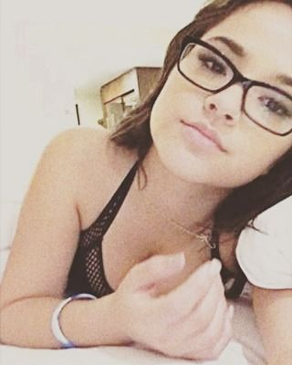 she still looks good even with glasses