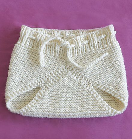 Free Knitting Pattern for Baby Super Soaker - Diaper cover in worsted weight sized about 6-9 Months. Designed by Sarah Smuland