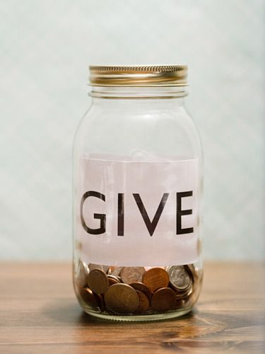 7 Simple Ways to Pay It Forward