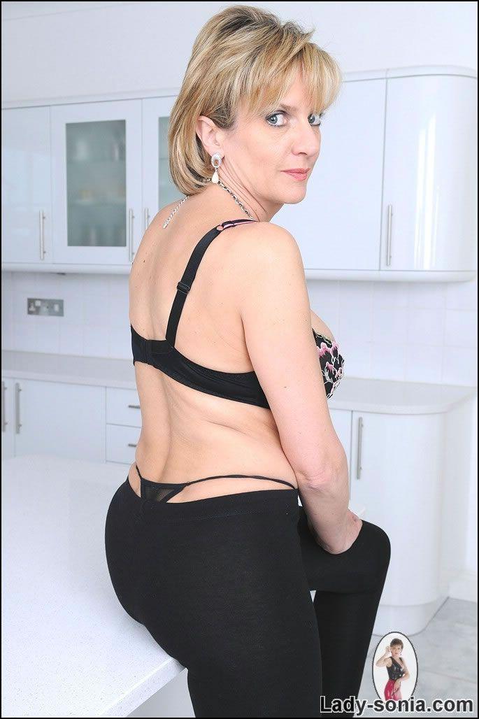 Sonia in leggings black | Sonia Lindsey aka Lady Sonia ...