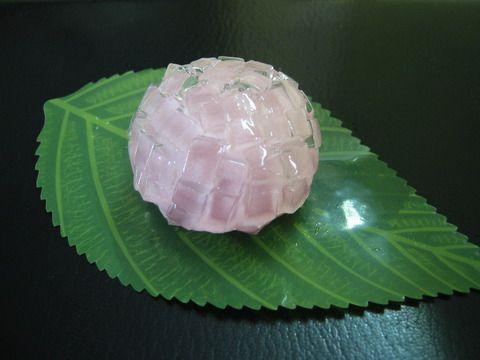 紫陽花(あじさい Ajisai) - Hydrangea 和菓子(わがし wagashi) shaped Japanese confection. Looks so lovely, and delicious.